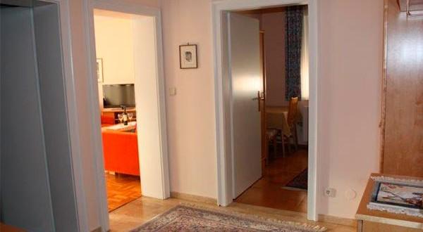 Eingangsbereich der zweiten Wohnung
